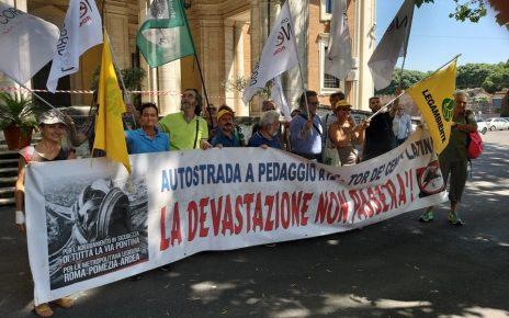 Presidio 28 giugno Roma Latina Roma Legambiente